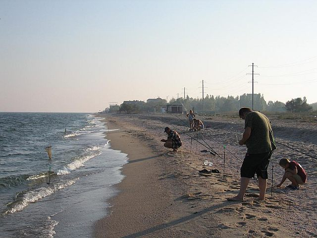 Рыбаки на пляже