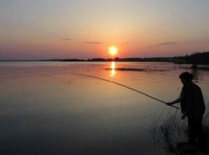 Рыбак в закате