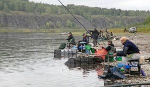 Группа рыбаков