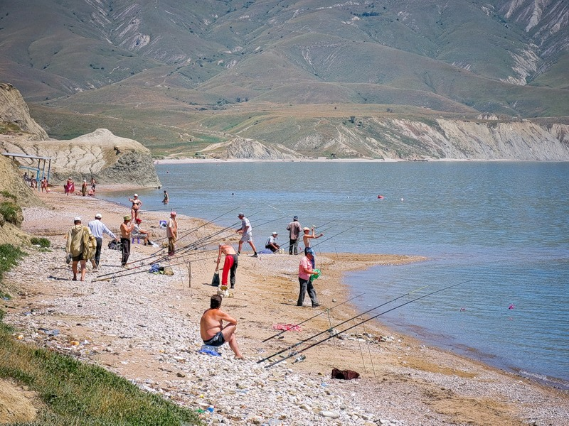 Рыбаки на пляжу