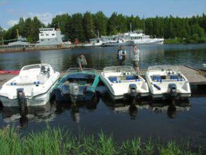 Четыре катера