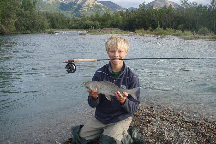 Парень с рыбой
