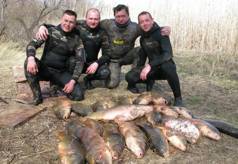 Четыре рыбака и их трофеи