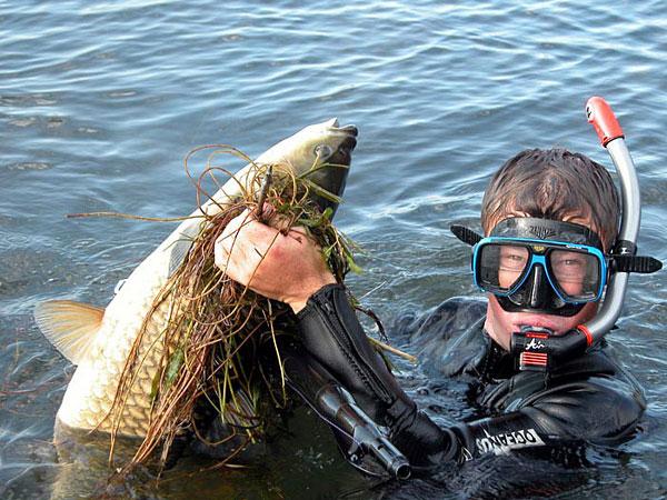 Рыбак с помойной рыбой