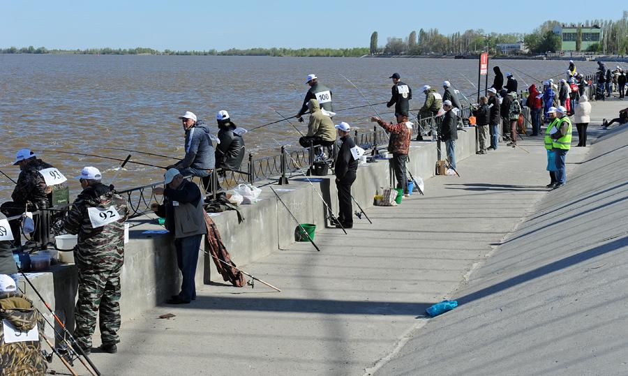 Множество рыбаков