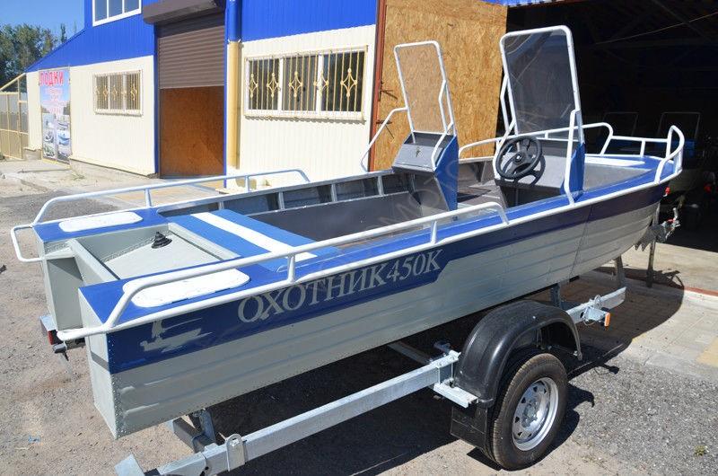 Лодка на прицепе