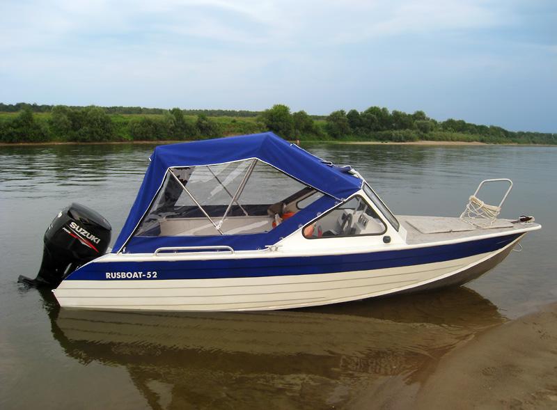 Лодка с складной крышей