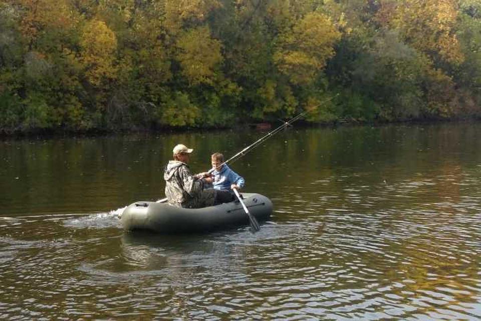 Два рыбака в лодке