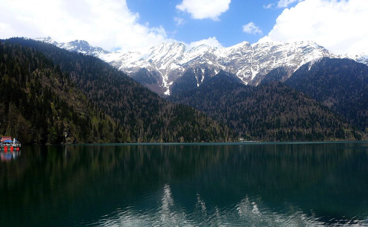 Вода горы лес