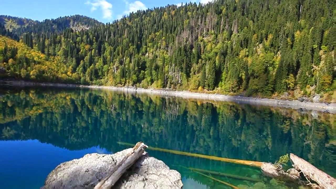 Ослепляющие своей красотой озеро Рица