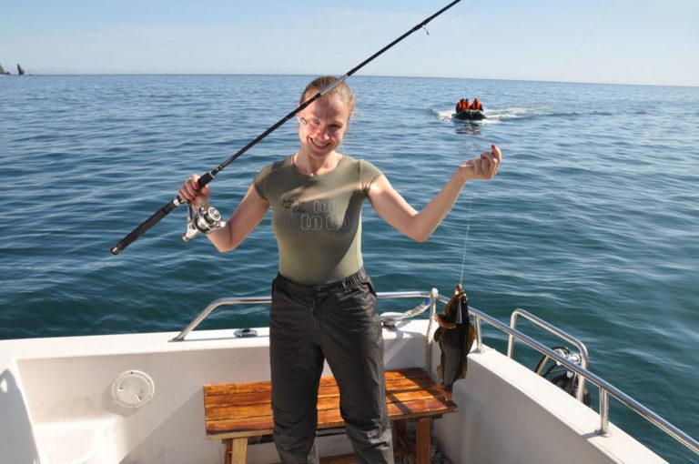 Как ловить рыбу в море с берега