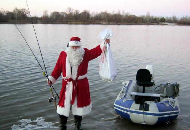 Дед мороз на рыбалке