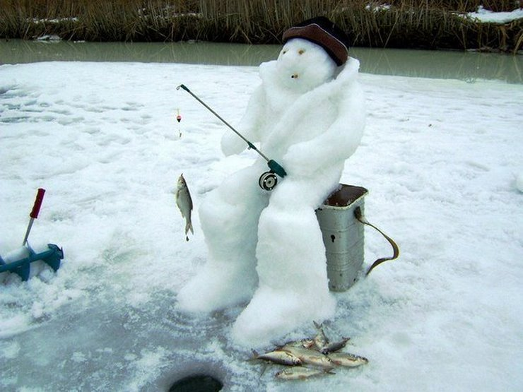 Снеговик на рыбалки