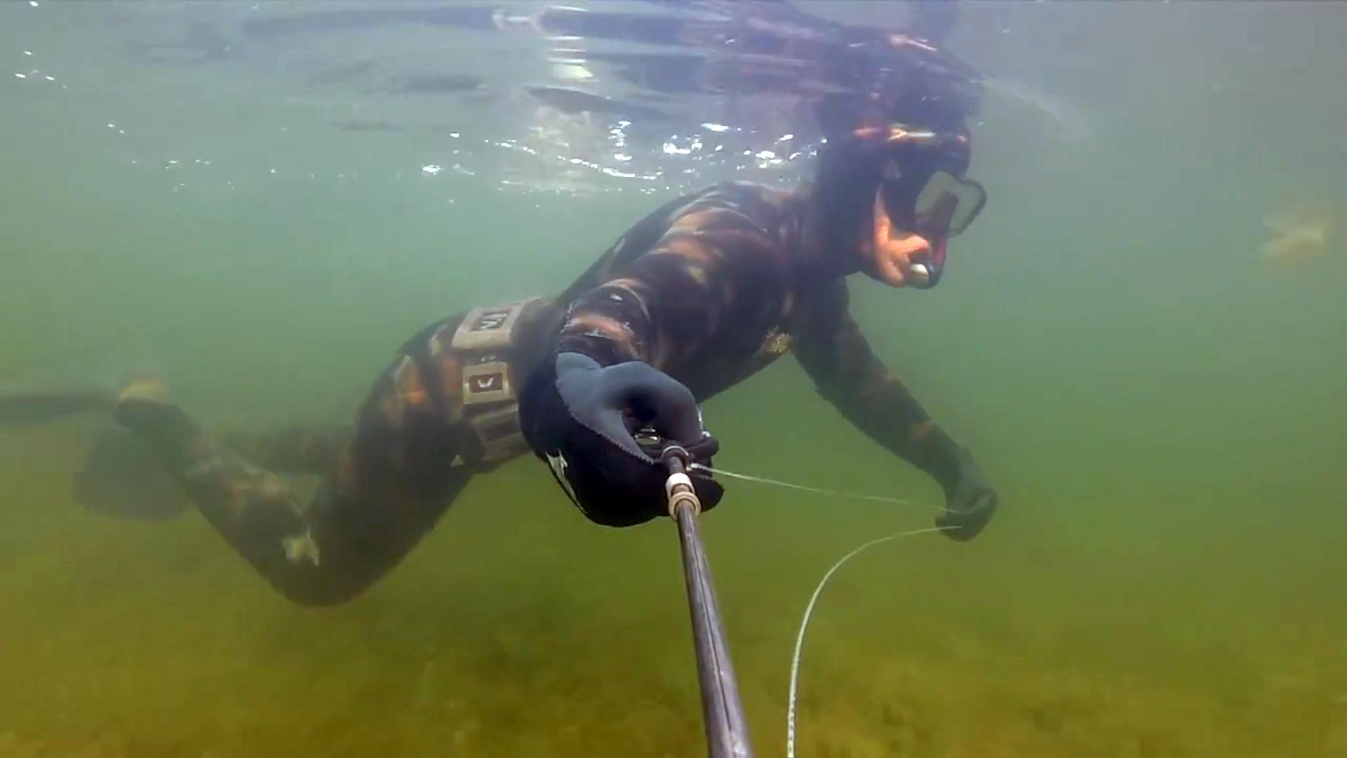 Охотник подводой