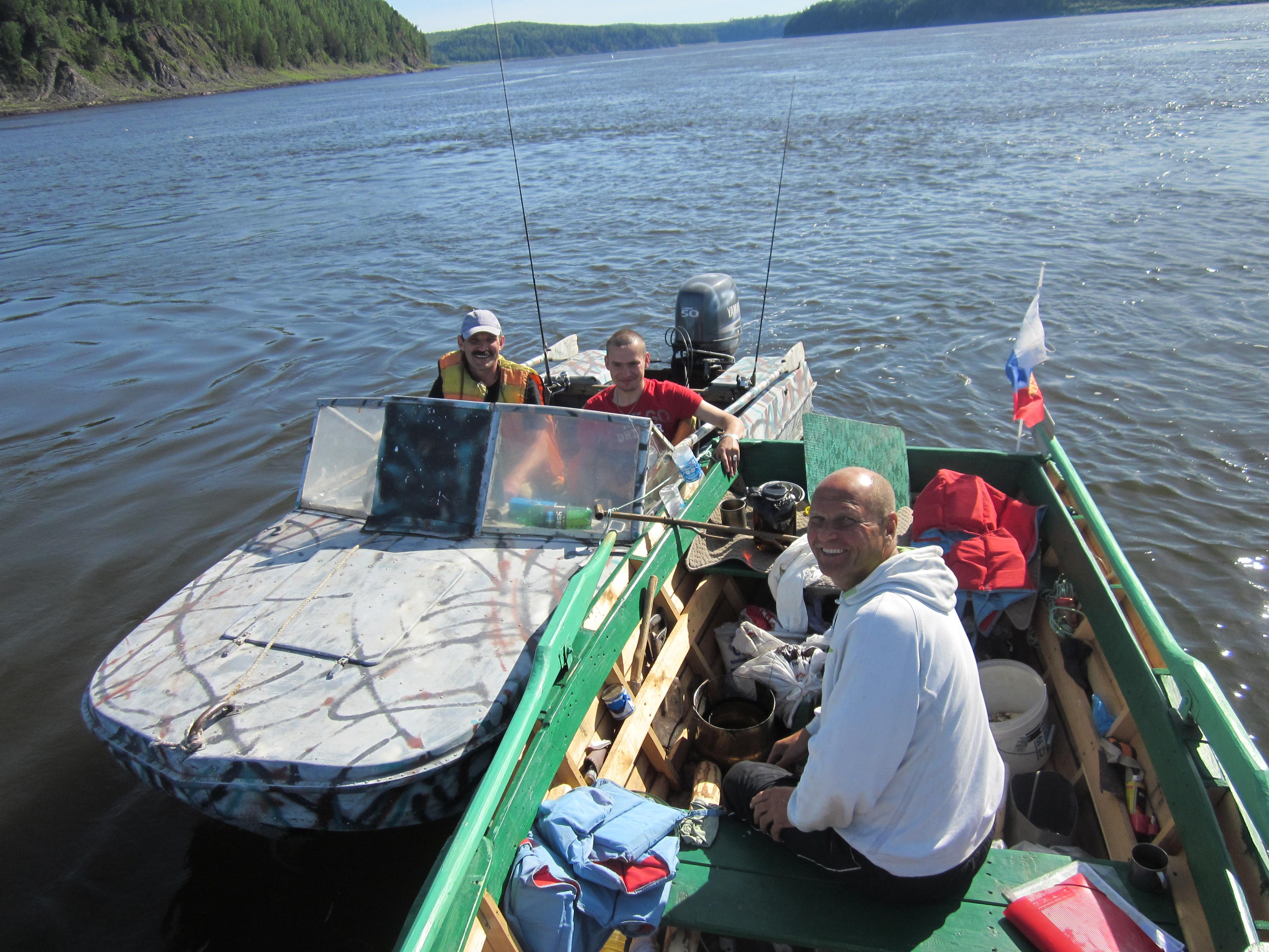 Рыбаки в лодках