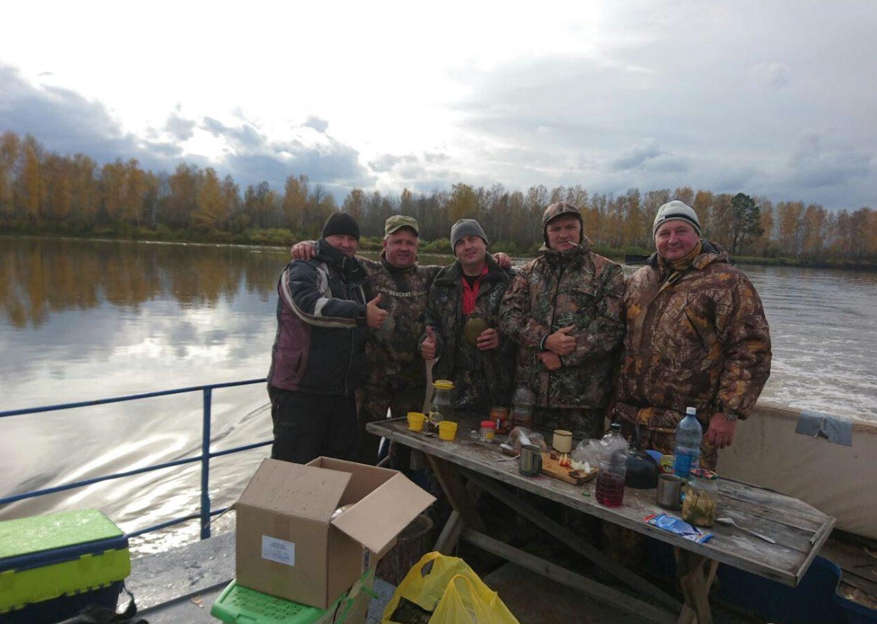 Суровые сибирские мужики на рыбалки