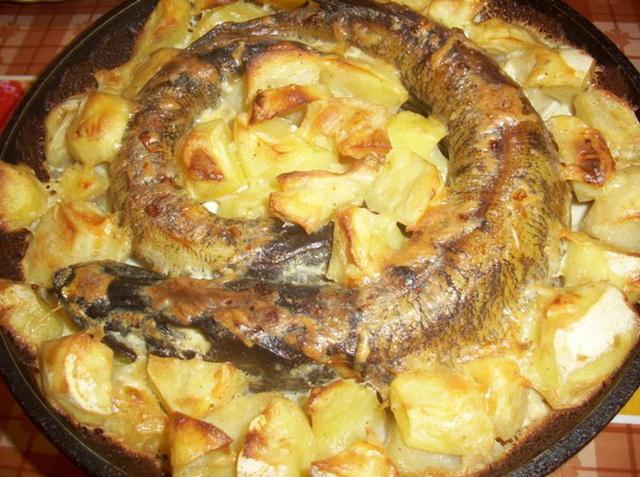 Щука с картофелем